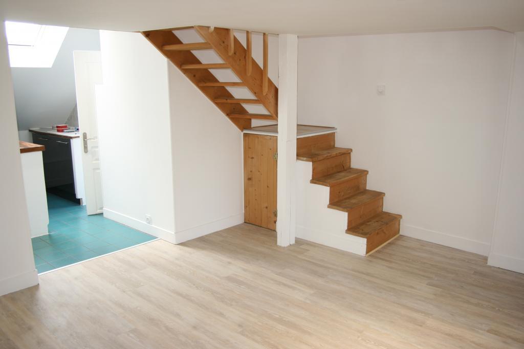 location d 39 appartement t2 sans frais d 39 agence caen 550 45 m. Black Bedroom Furniture Sets. Home Design Ideas