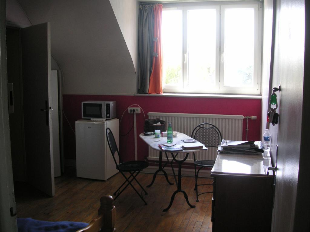 De particulier à particulier , chambre, de 15m² à Saint-Germain-du-Corbéis