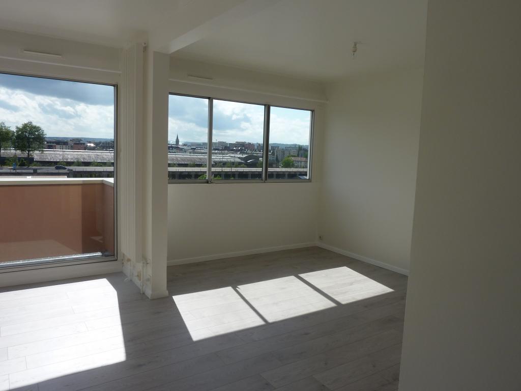 location d 39 appartement t5 de particulier particulier rouen 1100 110 m. Black Bedroom Furniture Sets. Home Design Ideas