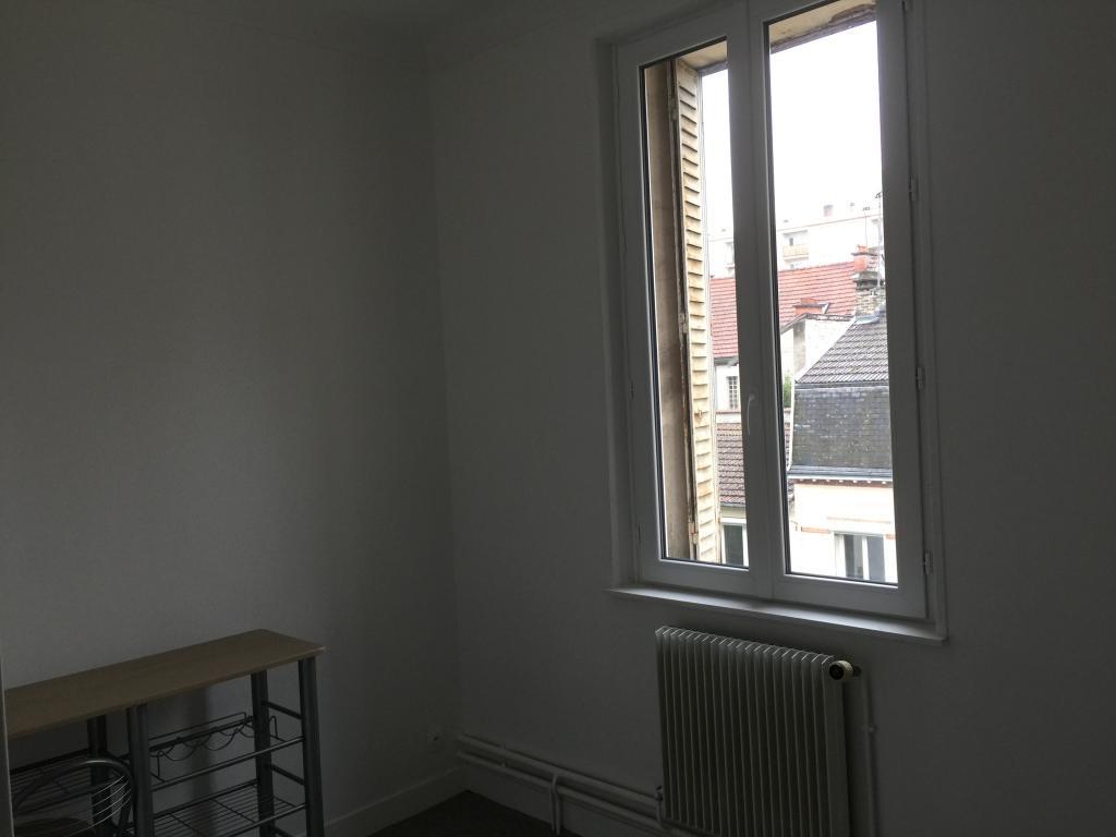location d 39 appartement t1 de particulier reims 420 28 m. Black Bedroom Furniture Sets. Home Design Ideas