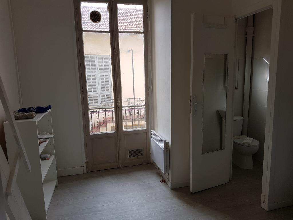 Location de studio meubl entre particuliers nice 460 for Location studio meuble a nice