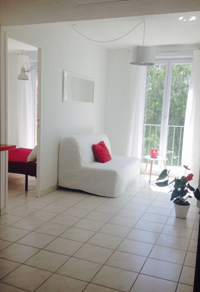 Location d 39 appartement t1 meubl entre particuliers aix for Achat maison aix en provence entre particuliers