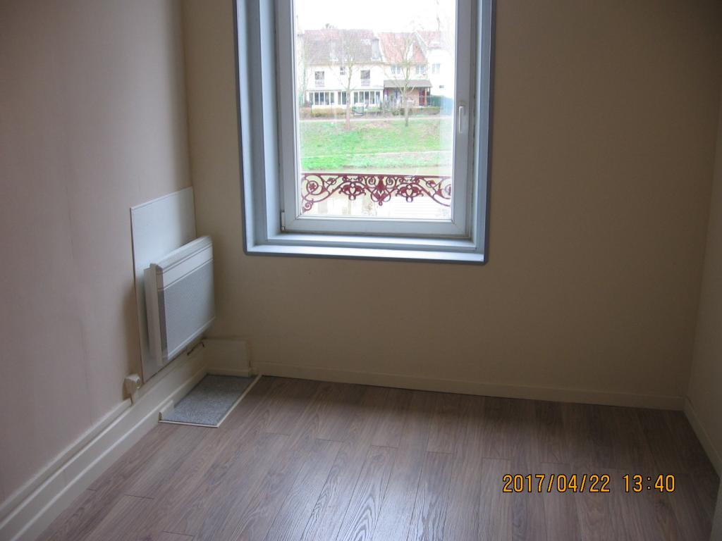 location d 39 appartement t1 de particulier particulier nancy 350 24 m. Black Bedroom Furniture Sets. Home Design Ideas