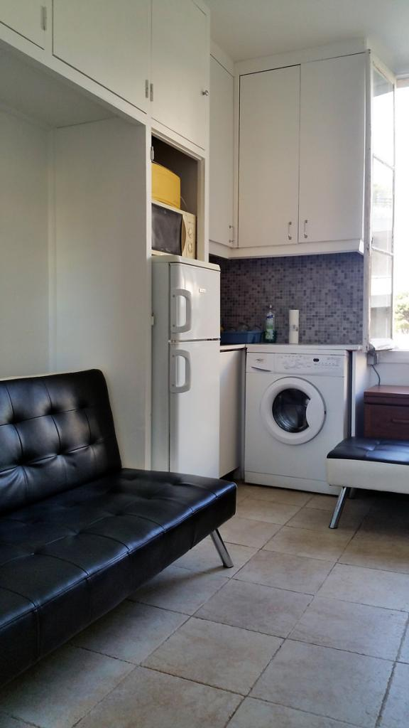 Location de studio meubl sans frais d 39 agence nice 400 for Location studio meuble a nice