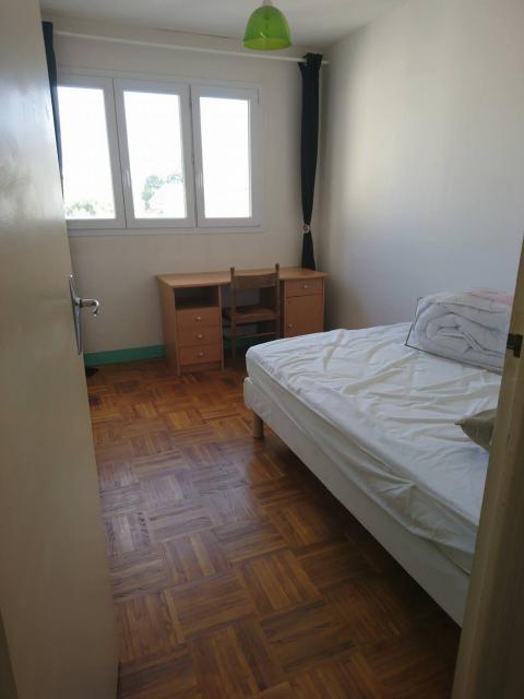 location d 39 appartement t4 meubl sans frais d 39 agence lorient 580 70 m. Black Bedroom Furniture Sets. Home Design Ideas