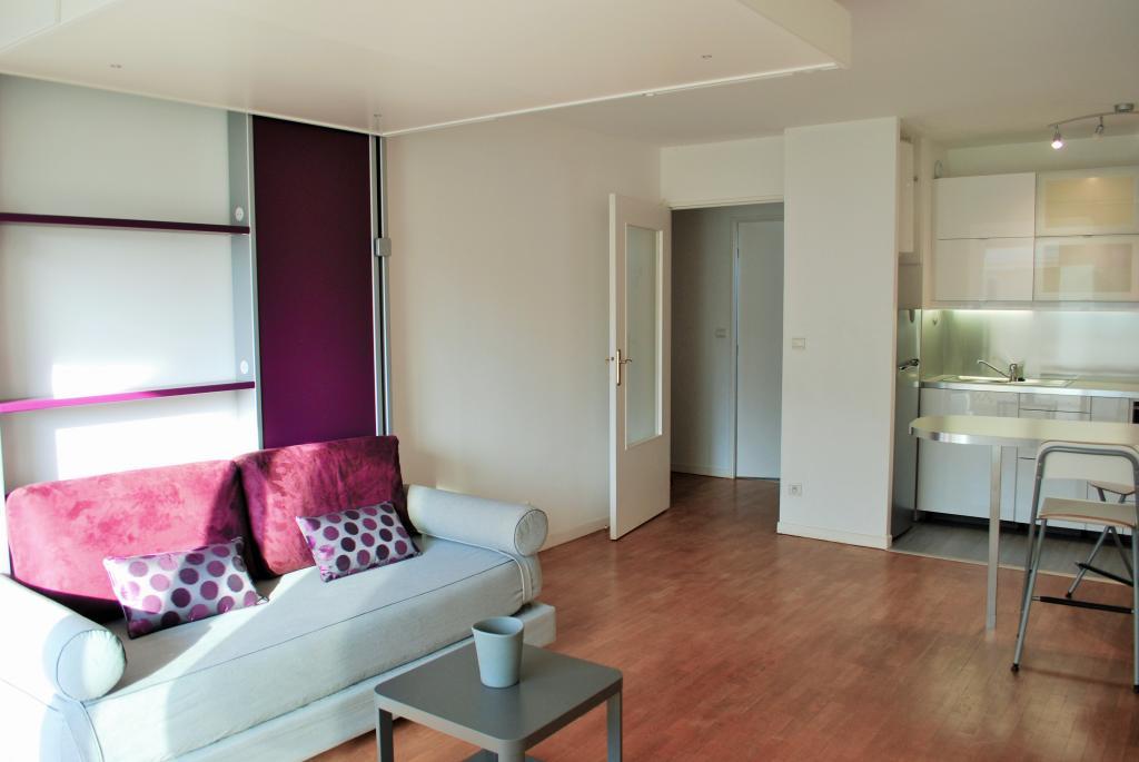 location de studio meubl de particulier particulier paris 75015 1320 34 m. Black Bedroom Furniture Sets. Home Design Ideas