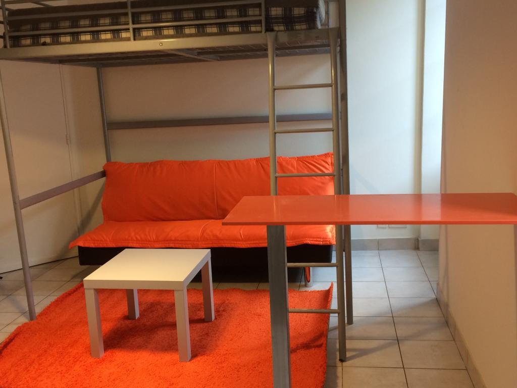 location d 39 appartement t2 meubl entre particuliers. Black Bedroom Furniture Sets. Home Design Ideas