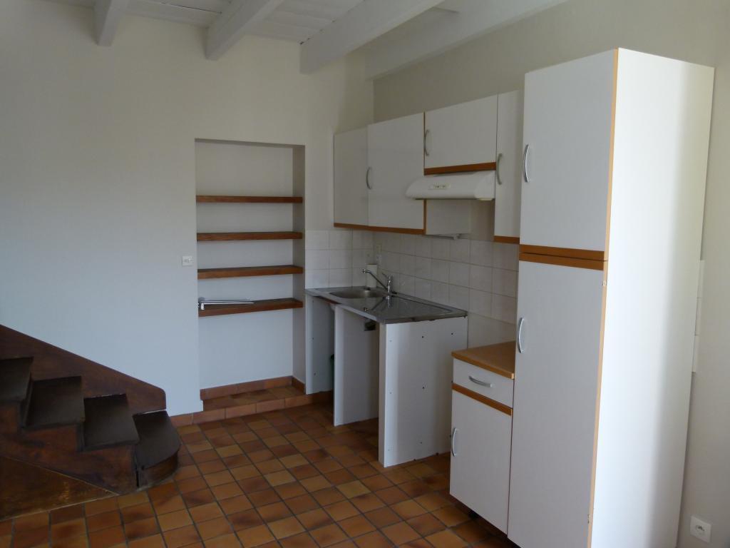 location de maison f4 entre particuliers cholet 530 87 m. Black Bedroom Furniture Sets. Home Design Ideas