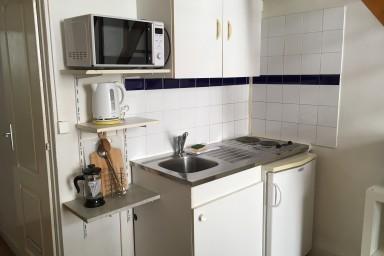 location de studio meubl sans frais d 39 agence lyon 69002 690 26 m. Black Bedroom Furniture Sets. Home Design Ideas