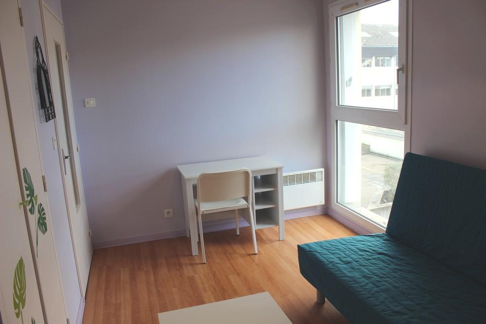 location de studio meubl de particulier tours 385 18 m. Black Bedroom Furniture Sets. Home Design Ideas