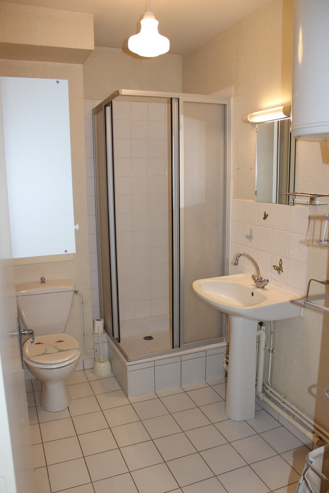 Location de studio meubl de particulier tours 385 for Location meuble tours