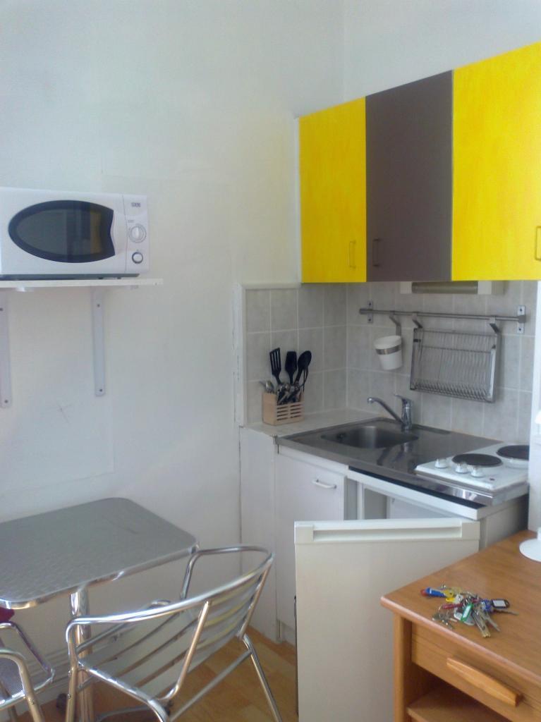 location de studio meubl entre particuliers lille 425 15 m. Black Bedroom Furniture Sets. Home Design Ideas