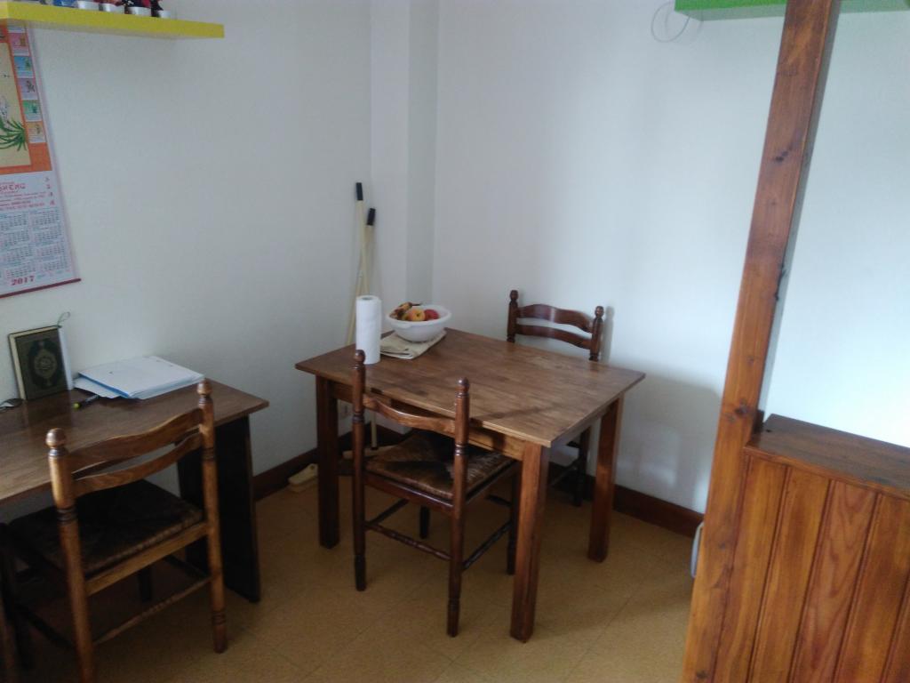 location de studio meubl entre particuliers vannes 345 23 m. Black Bedroom Furniture Sets. Home Design Ideas