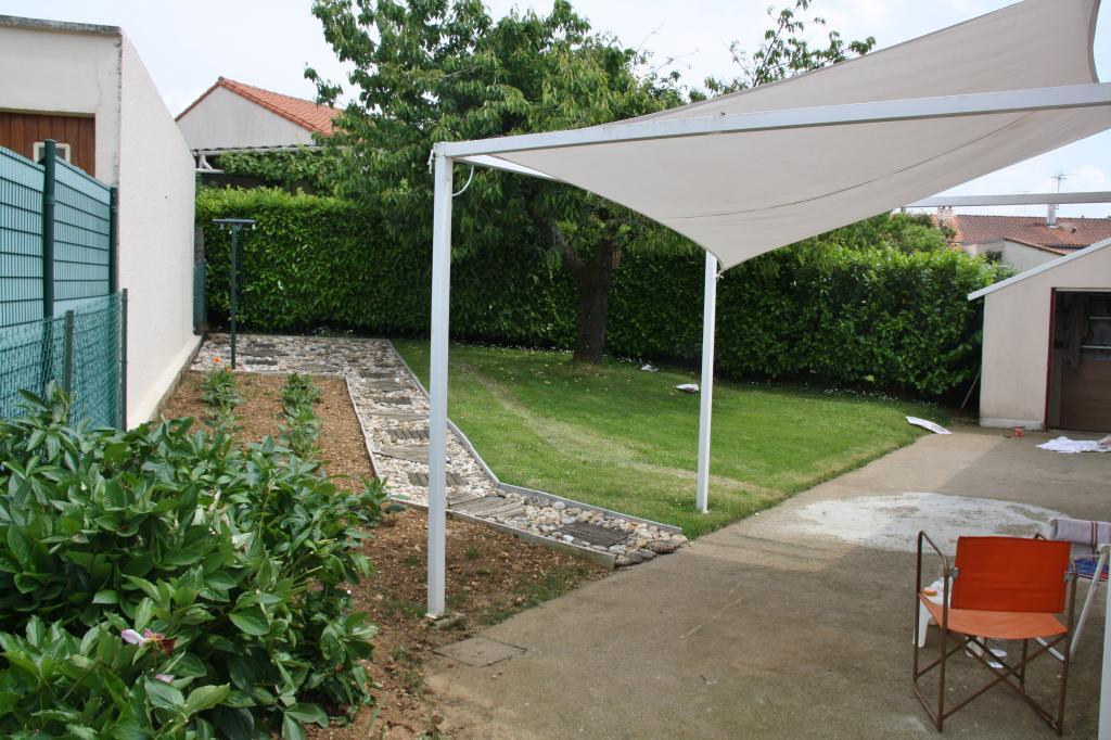 location de maison f4 entre particuliers poitiers 660 82 m. Black Bedroom Furniture Sets. Home Design Ideas