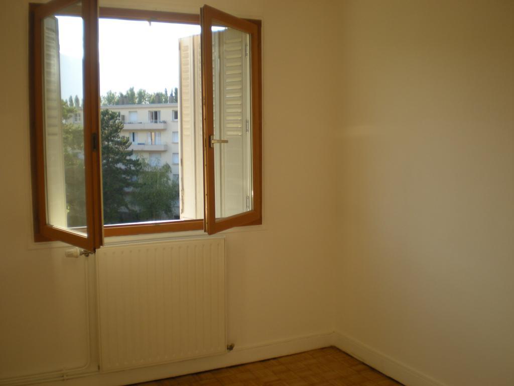 location d 39 appartement t4 de particulier particulier st martin d 39 heres 700 60 m. Black Bedroom Furniture Sets. Home Design Ideas