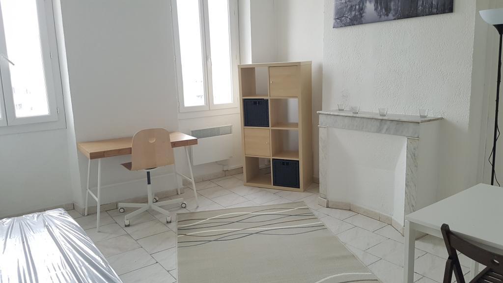 Location d 39 appartement t2 meubl sans frais d 39 agence for Location appartement meuble a marseille