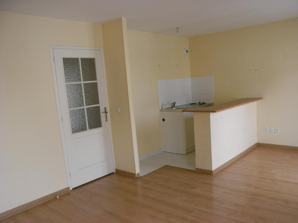 Location d 39 appartement t2 de particulier reims 535 for Location appartement meuble reims