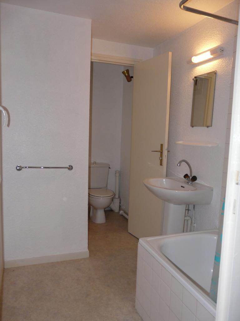 location de studio entre particuliers bordeaux 490. Black Bedroom Furniture Sets. Home Design Ideas