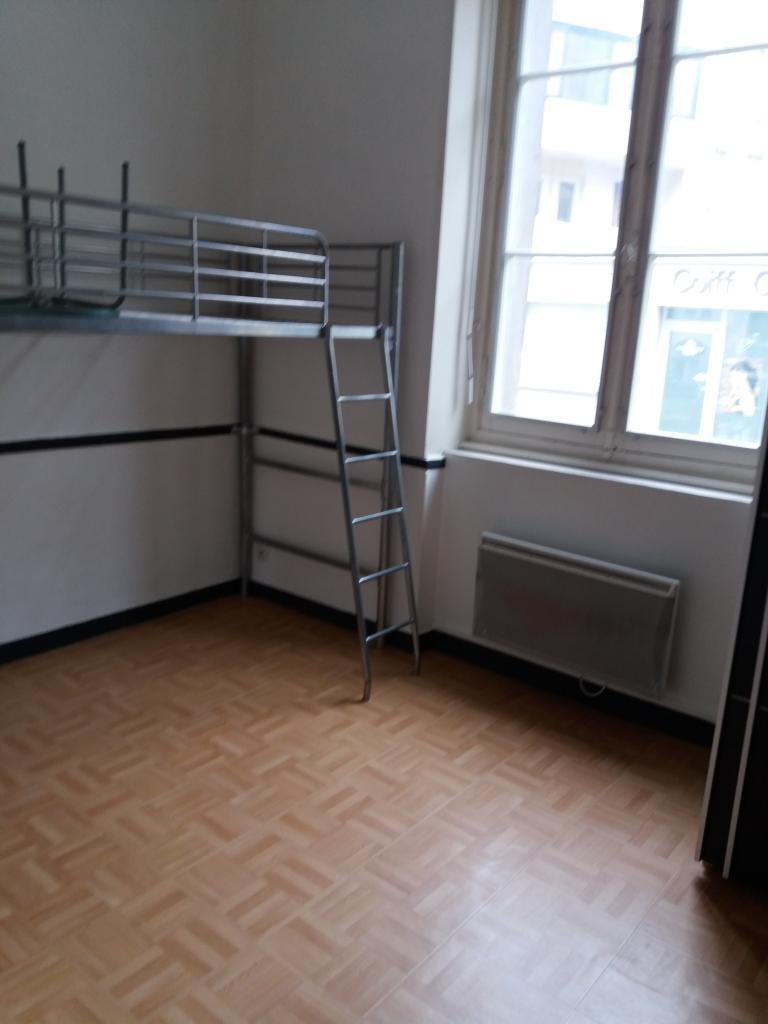 location de studio de particulier particulier angers 295 18 m. Black Bedroom Furniture Sets. Home Design Ideas