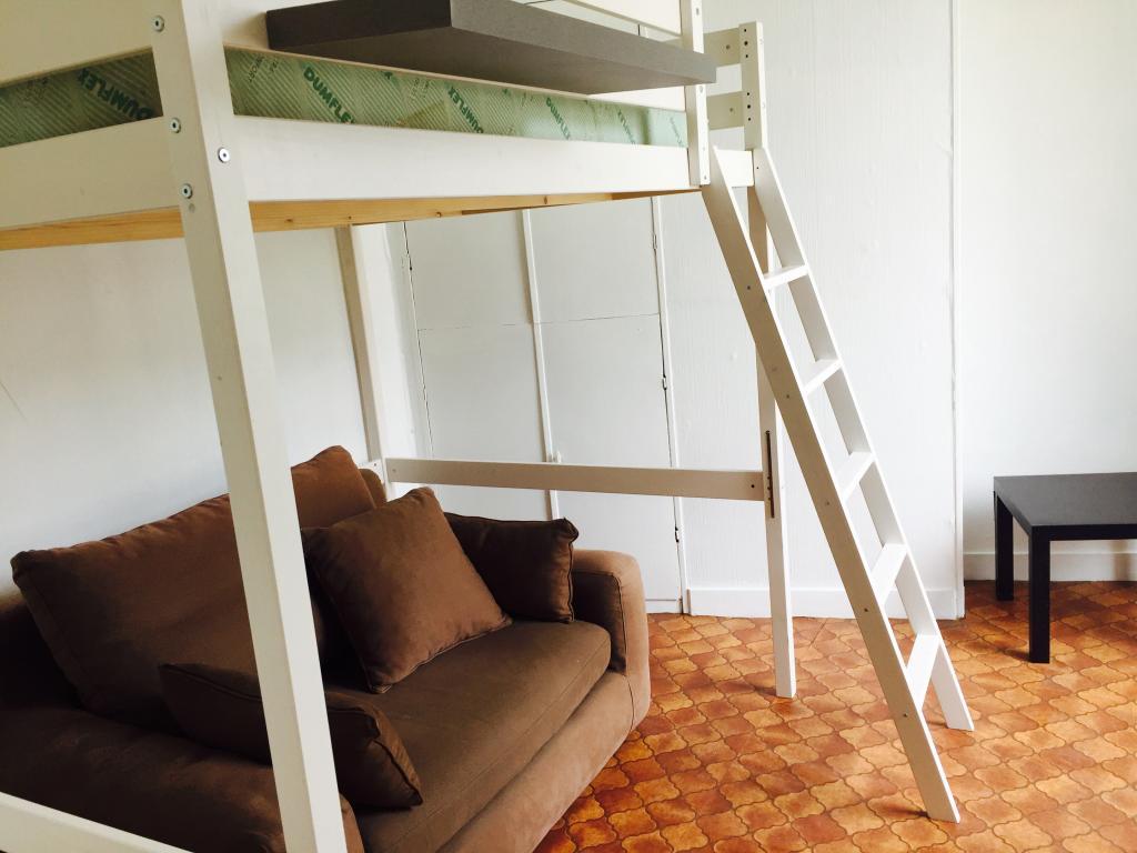 location de studio meubl de particulier caen 440 25 m. Black Bedroom Furniture Sets. Home Design Ideas