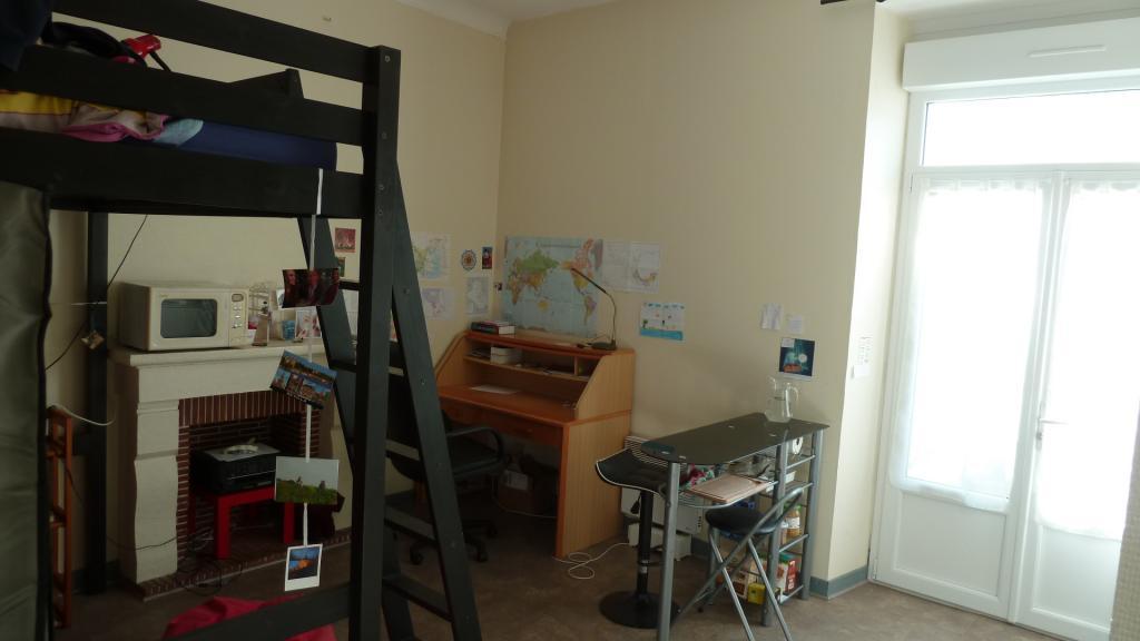 location de studio meubl de particulier angers 348 21 m. Black Bedroom Furniture Sets. Home Design Ideas