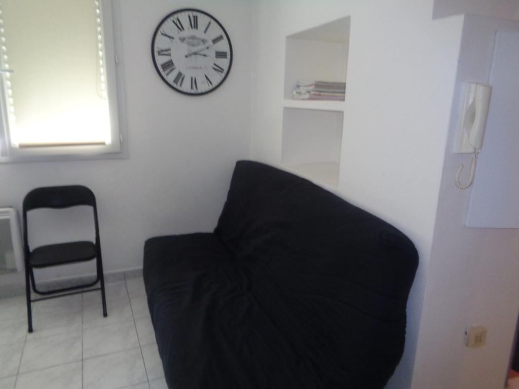 location d 39 appartement t2 meubl entre particuliers montpellier 596 42 m. Black Bedroom Furniture Sets. Home Design Ideas