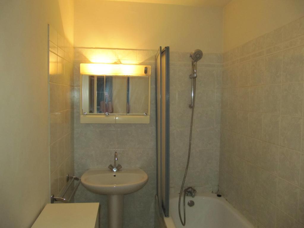 location d 39 appartement t2 meubl de particulier bordeaux 750 37 m. Black Bedroom Furniture Sets. Home Design Ideas