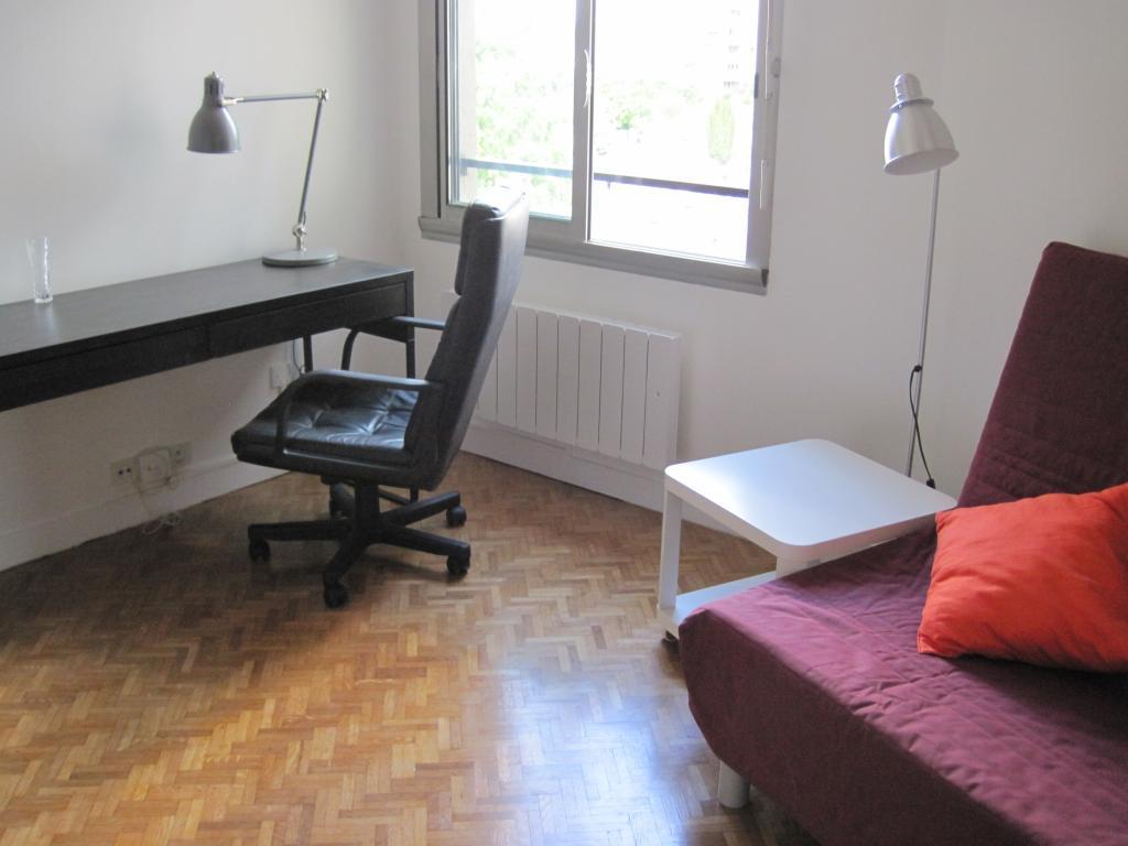 De particulier à particulier, studio à Les Lilas, 22m²