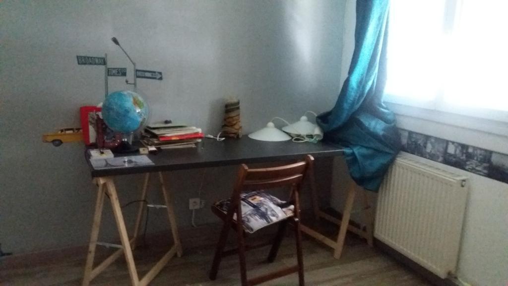location de chambre meubl e sans frais d 39 agence rennes 250 20 m. Black Bedroom Furniture Sets. Home Design Ideas