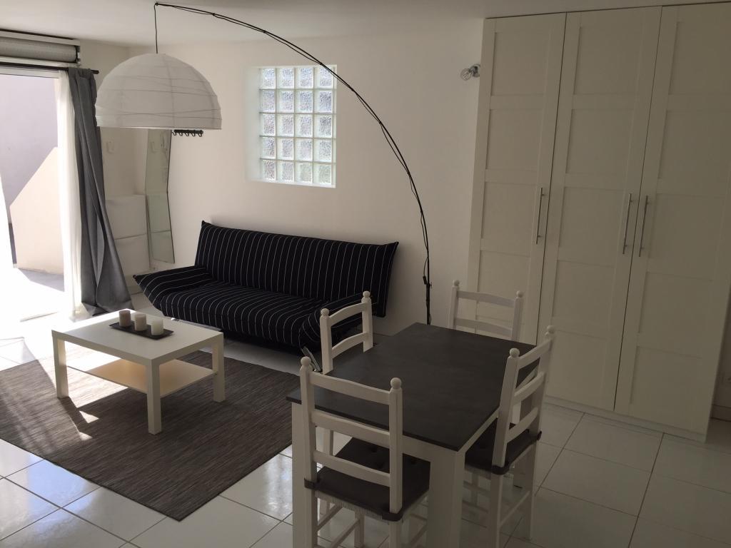 location de studio meubl de particulier particulier aix en provence 650 35 m. Black Bedroom Furniture Sets. Home Design Ideas
