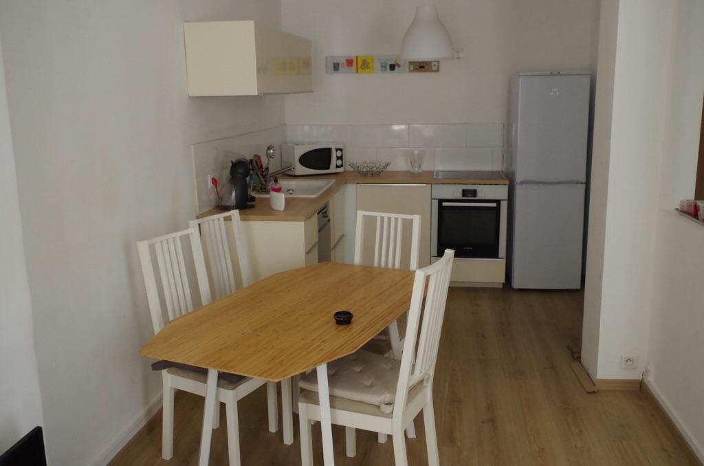 location d 39 appartement t3 meubl entre particuliers marseille 13006 1000 60 m. Black Bedroom Furniture Sets. Home Design Ideas