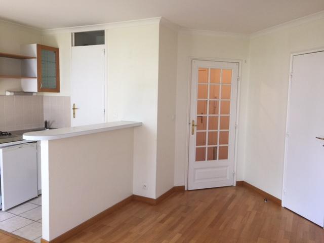 location d 39 appartement t2 de particulier nantes 540 37 m. Black Bedroom Furniture Sets. Home Design Ideas