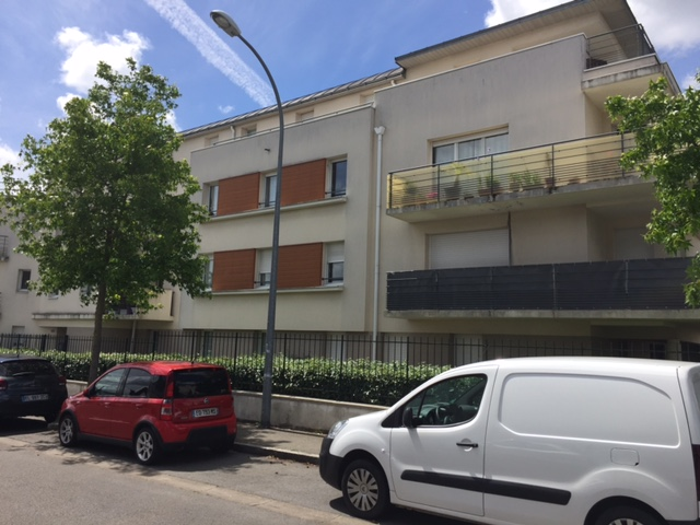 Location d 39 appartement t2 de particulier nantes 540 for Louer garage nantes