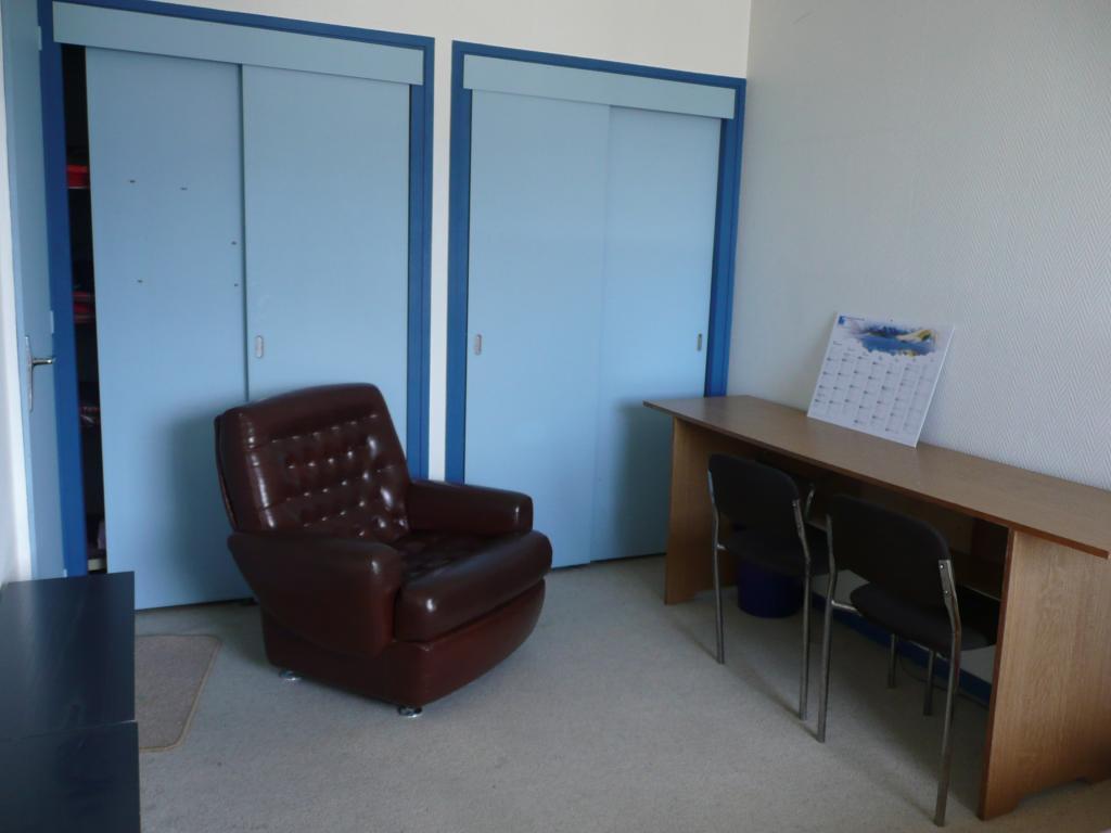 location de chambre meubl e de particulier particulier chambery 345 18 m. Black Bedroom Furniture Sets. Home Design Ideas