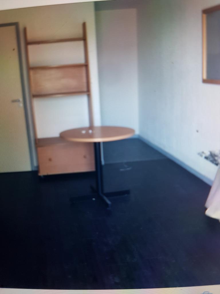 location d 39 appartement t1 meubl entre particuliers reims 350 21 m. Black Bedroom Furniture Sets. Home Design Ideas