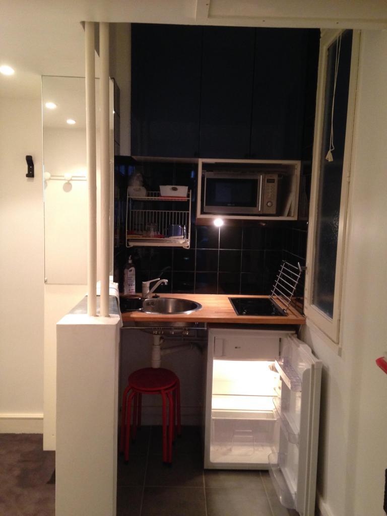 location de studio meubl de particulier paris 75016 1053 26 m. Black Bedroom Furniture Sets. Home Design Ideas