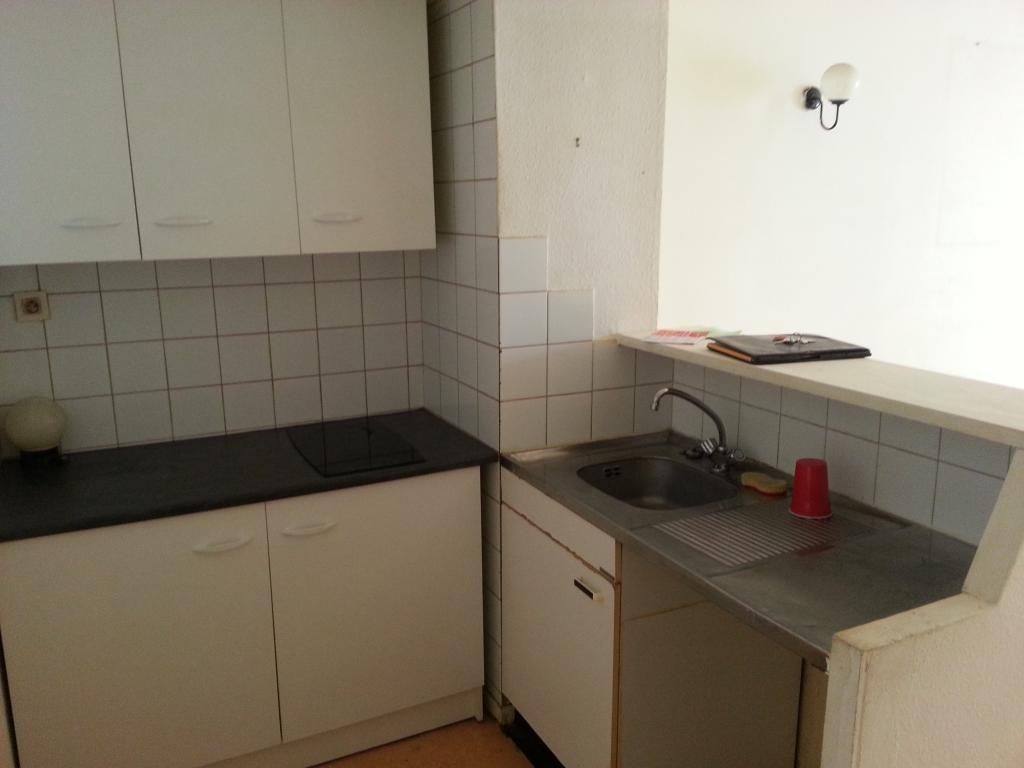 location d 39 appartement t2 de particulier particulier carcassonne 390 38 m. Black Bedroom Furniture Sets. Home Design Ideas
