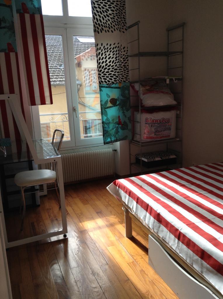 location de studio meubl sans frais d 39 agence st etienne 370 27 m. Black Bedroom Furniture Sets. Home Design Ideas