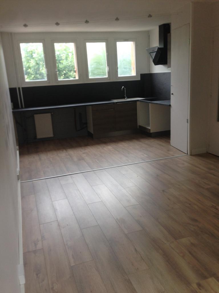 location d 39 appartement t4 de particulier dammarie les lys 950 63 m. Black Bedroom Furniture Sets. Home Design Ideas