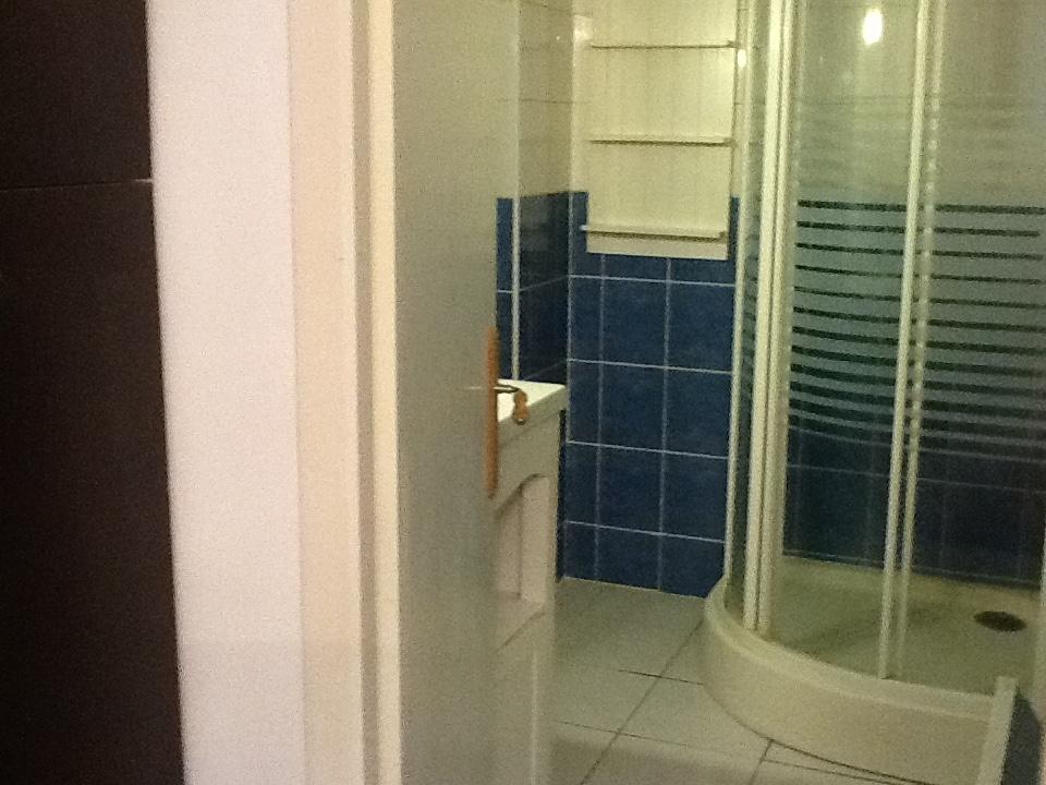 location d 39 appartement t1 meubl de particulier particulier pau 400 25 m. Black Bedroom Furniture Sets. Home Design Ideas