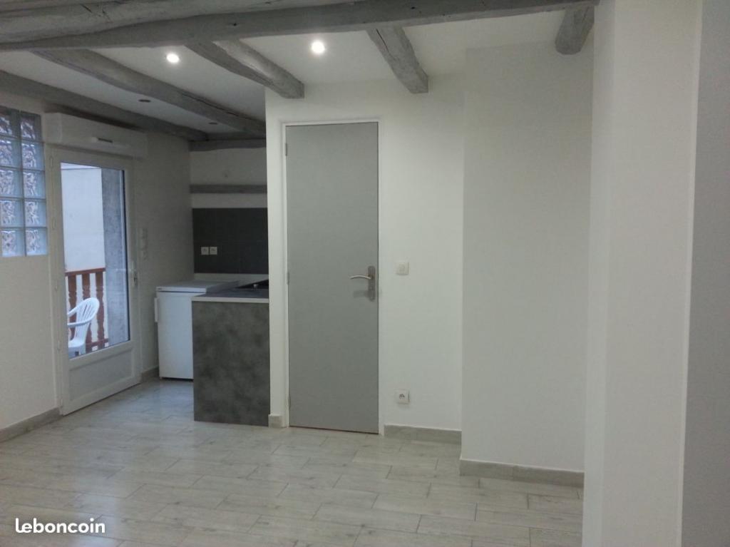 De particulier à particulier Jouars-Pontchartrain, appartement studio, 21m²
