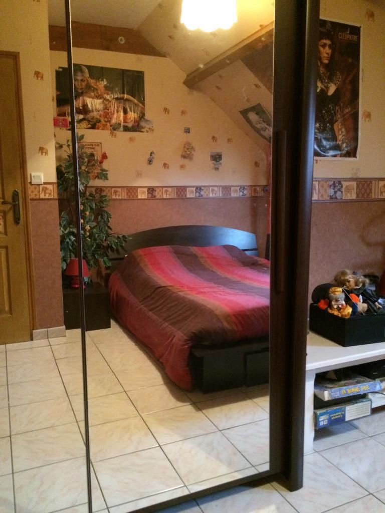De particulier à particulier Villette-lès-Dole, appartement chambre de 16m²