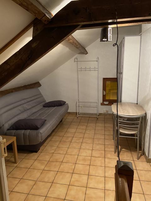 location studio trith st leger entre particuliers. Black Bedroom Furniture Sets. Home Design Ideas