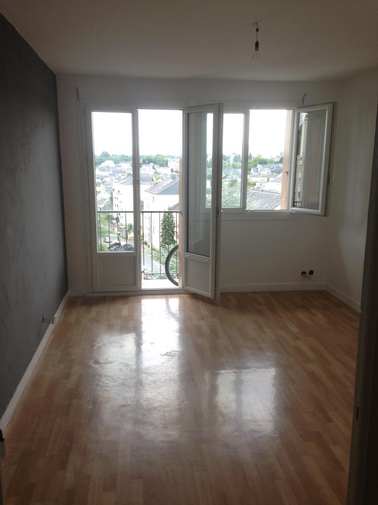 Location d 39 appartement t2 de particulier laval 425 for Location t2