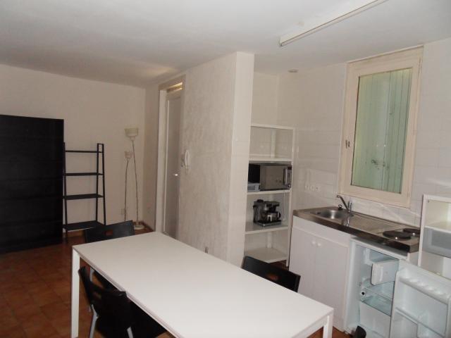 location appartement nimes particulier. Black Bedroom Furniture Sets. Home Design Ideas
