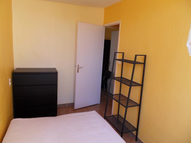 location d 39 appartement t3 meubl entre particuliers nimes 675 50 m. Black Bedroom Furniture Sets. Home Design Ideas
