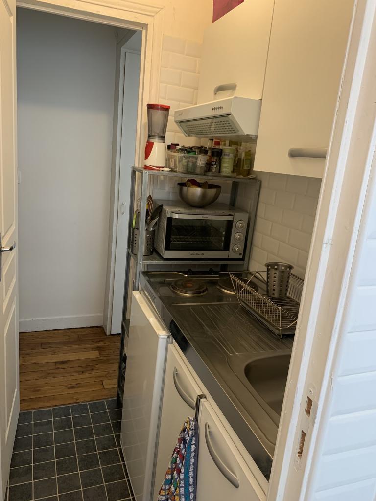location de studio meubl de particulier neuilly sur seine 920 20 m. Black Bedroom Furniture Sets. Home Design Ideas