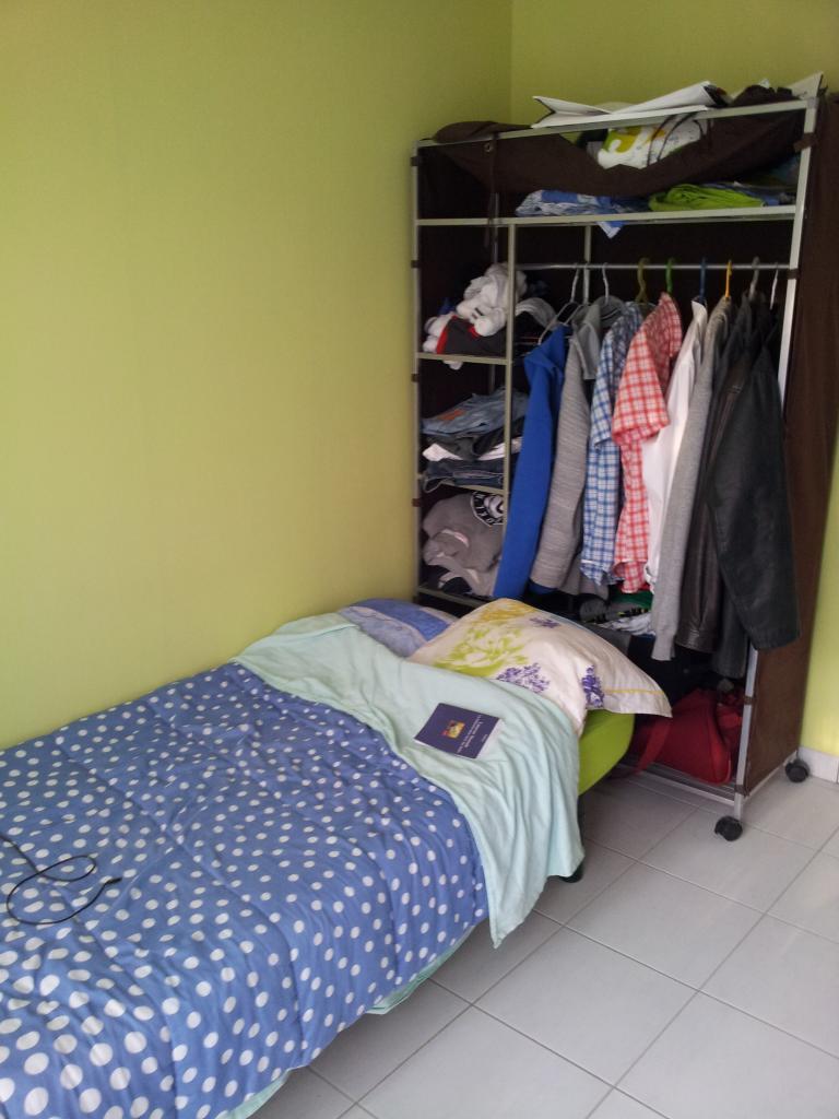 location de studio meubl de particulier rennes 400 20 m. Black Bedroom Furniture Sets. Home Design Ideas
