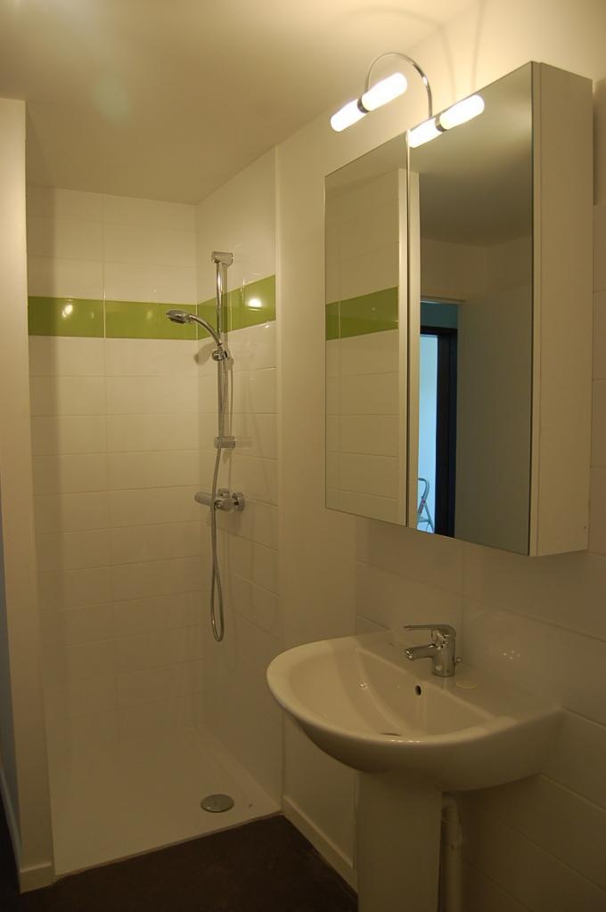 location d 39 appartement t1 sans frais d 39 agence nantes 376 25 m. Black Bedroom Furniture Sets. Home Design Ideas