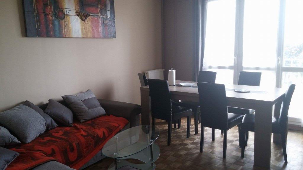 location de chambre meubl e entre particuliers rennes 300 11 m. Black Bedroom Furniture Sets. Home Design Ideas